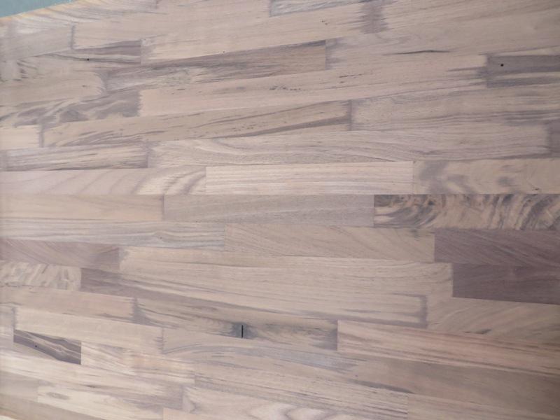 Leimholzplatte Nussbaum Nogal keilgezinkt 30 mm