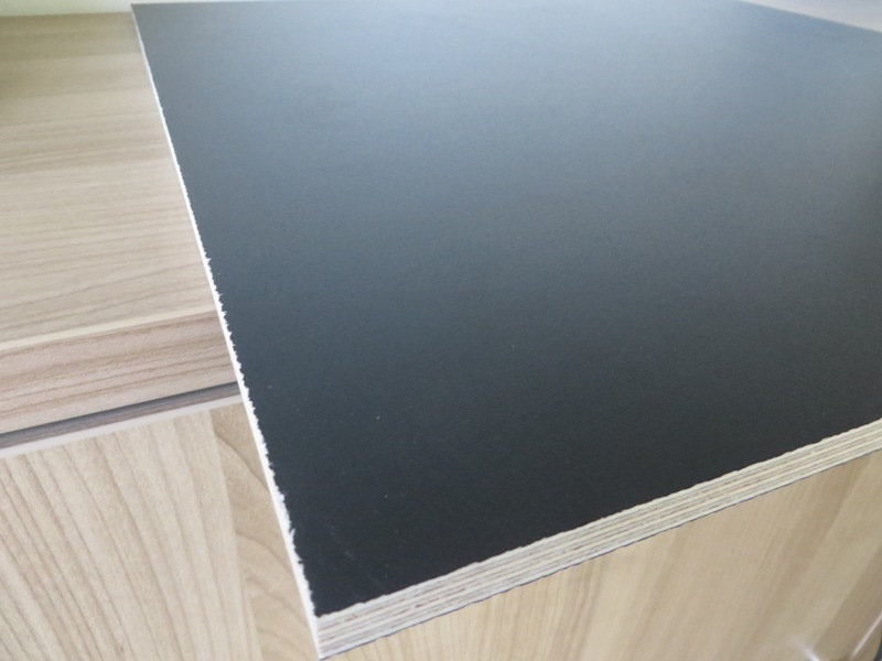 Multiplex Birke Vorderseite schwarz beschichtet 9 mm