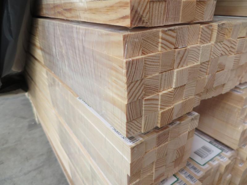 Quadratleiste Kiefer astrein 20 x 20 mm