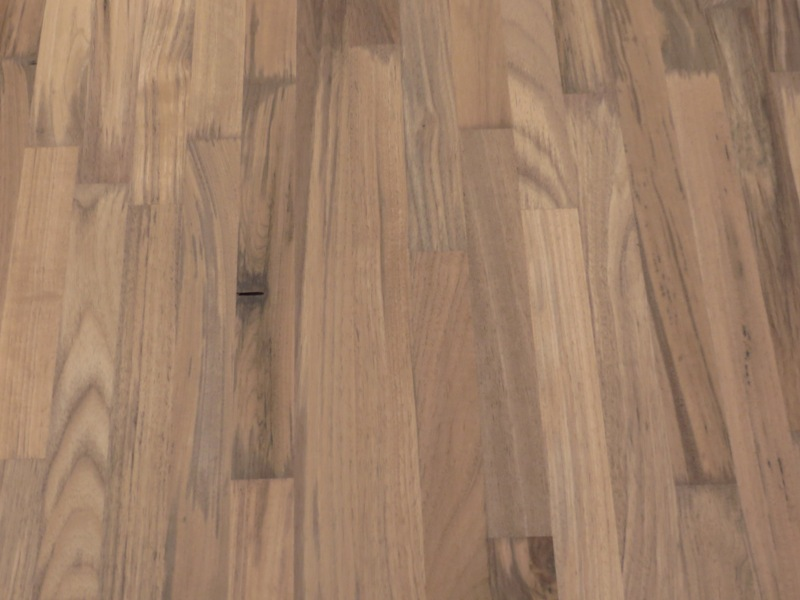 Leimholzplatte Nussbaum Nogal keilgezinkt 27 mm